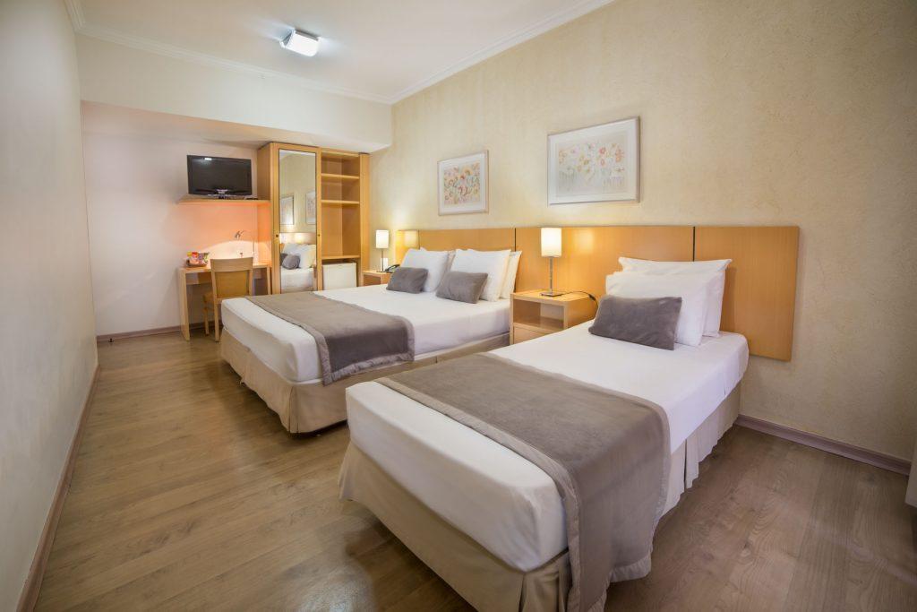 Apartamento Triplo (1 Cama Casal + 1 Cama de Solteiro)
